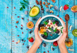 7+1 τροφές που βοηθούν στη Χρόνια Δυσκοιλιότητα